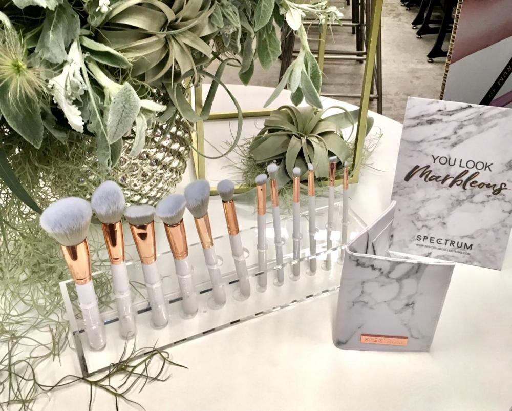 Spectrum Collection Makeup Brushes- The Glam Clam