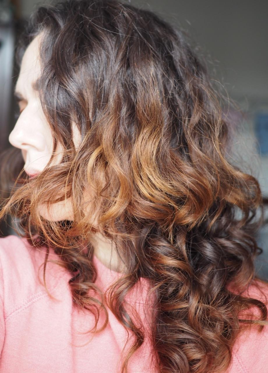 After John Frieda Frizz Ease Shampoo and Conditioner and Serum and drying naturally pic of slightly more frizzy hair