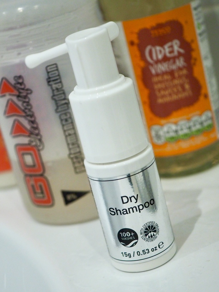 How To Transition From Shampoo To No Poo- dry shampoo in a white pump