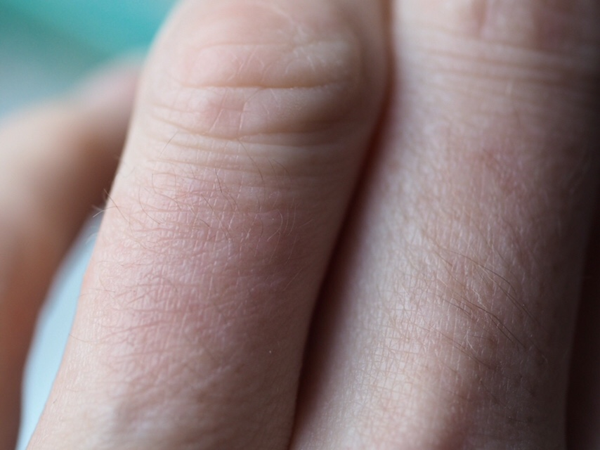 Skintifique Protective Cream HPS and Cleanser P Review- close up of normal looking finger