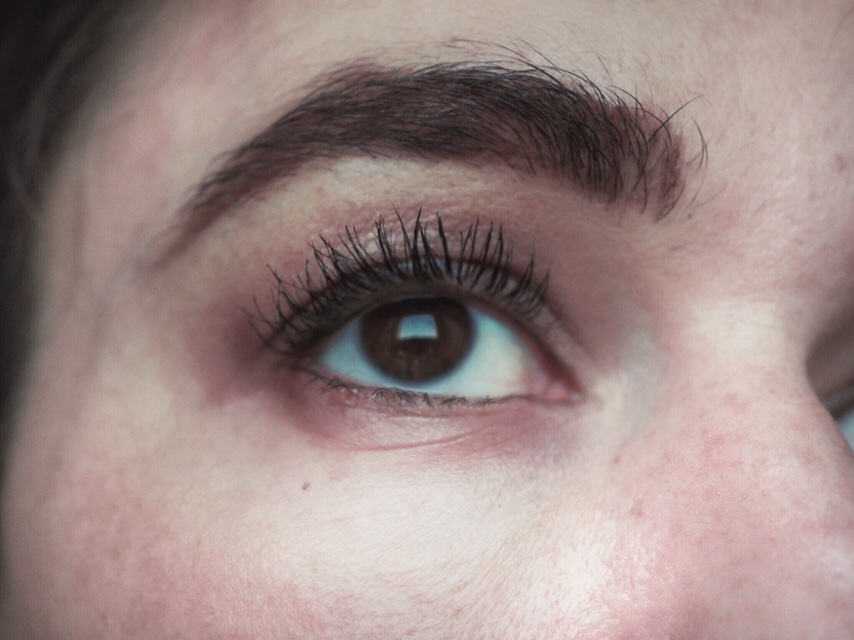 Benefit Bad Gal Bang Mascara Review- After One Gentle Coat close up of eye