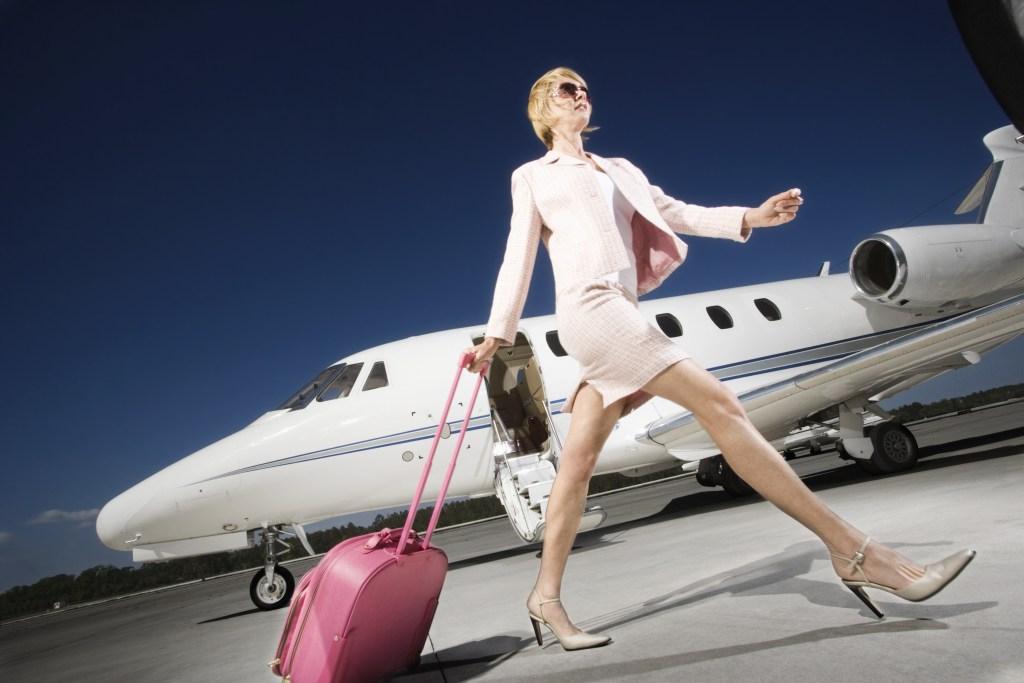 女性 ビジネス トラベル