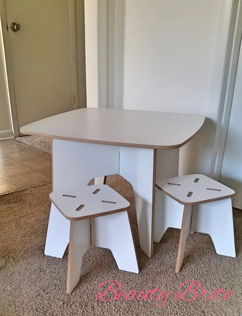 Modern Kids Table and Stools