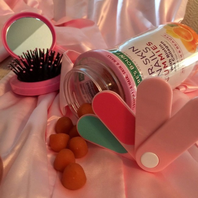 Nature's Bounty Hair Skin Nails with Biotin And Collagen Gummies