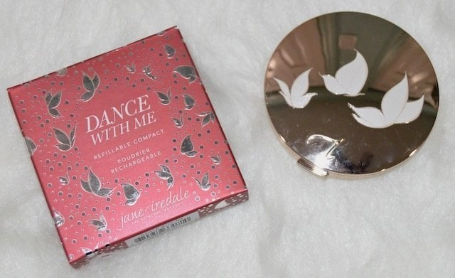Holiday Makeup_Jane Iredale Dance with Me Compact