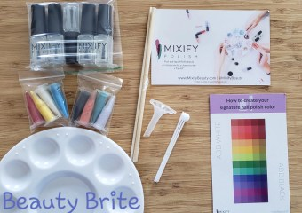 Inside Nail Polish Kit