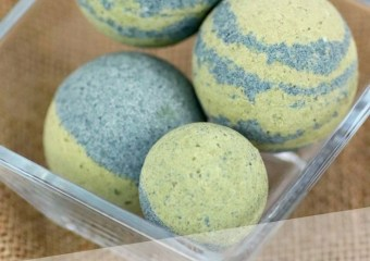 Spirulina & Matcha Bath Bombs main picture