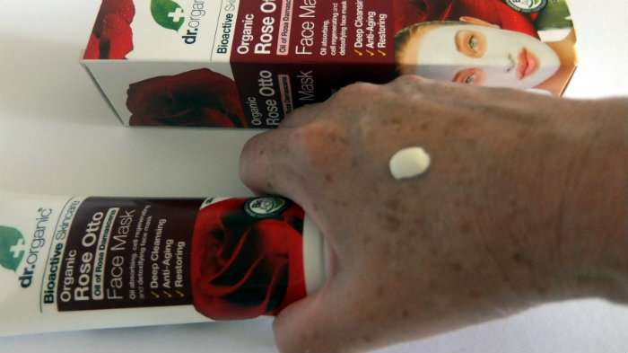 dr organic rose otto masker