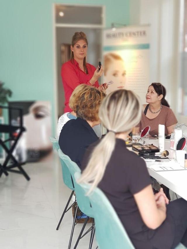 Make-up Workshop bij Beauty Center Tiel- Met Handige Make-up Tips! 19 workshop Make-up Workshop bij Beauty Center Tiel- Met Handige Make-up Tips!