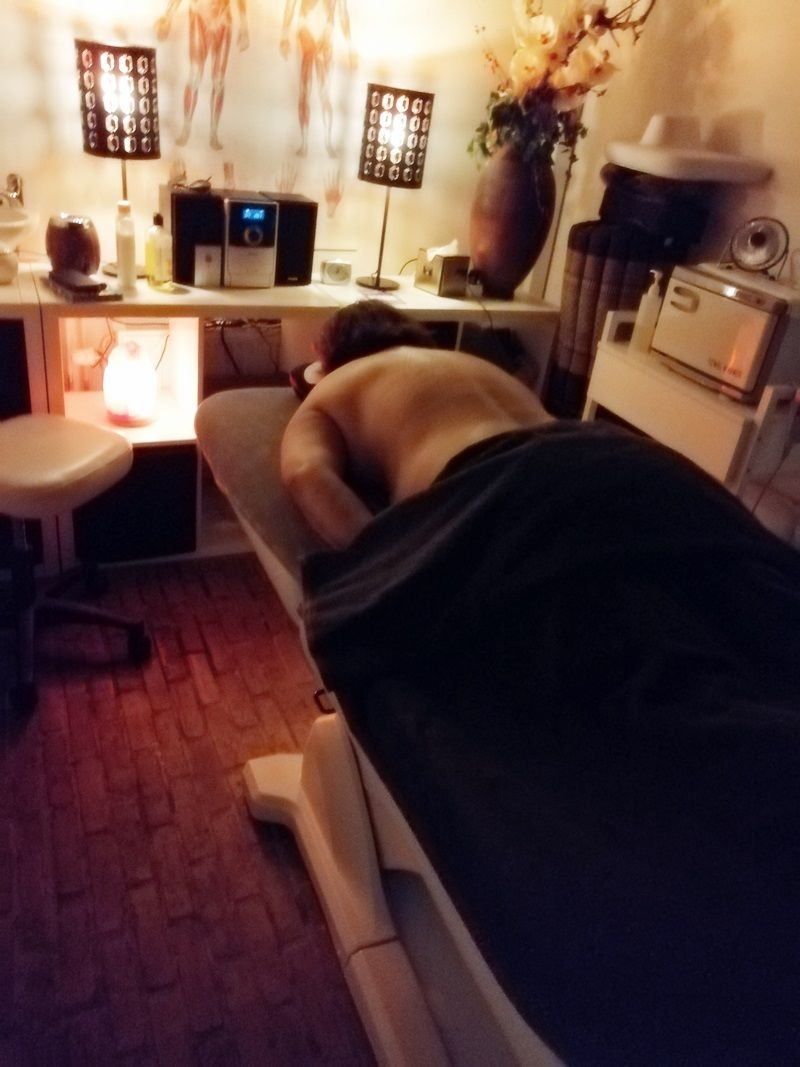 Een ontspannende massage bij Relax A Day 24 relax a day Een ontspannende massage bij Relax A Day