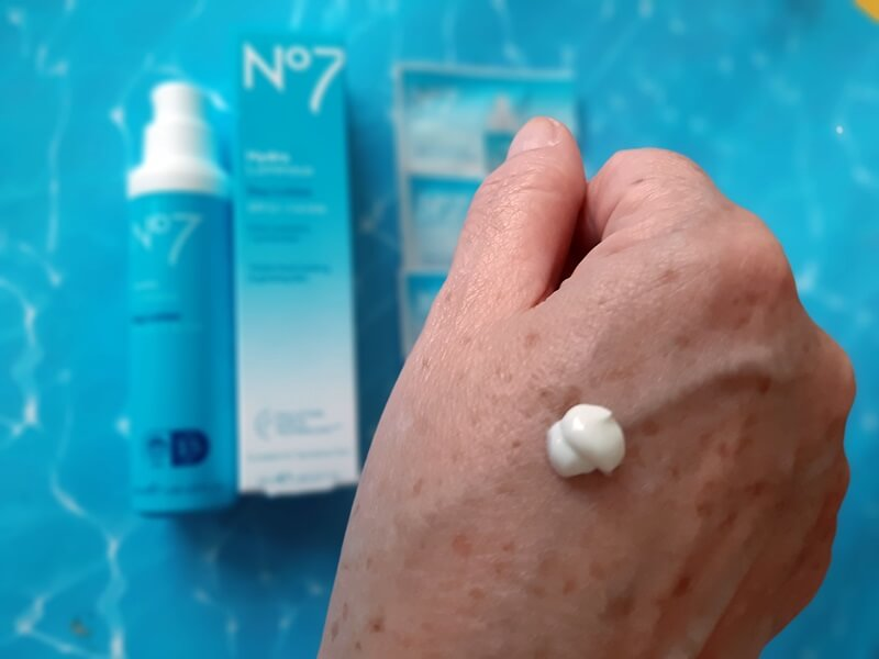 Review! No7 Hydraluminous Day Lotion SPF 15 12 no7 Review! No7 Hydraluminous Day Lotion SPF 15