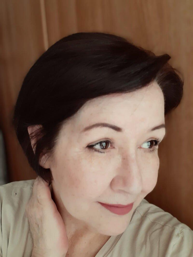 Ik heb mijn haar geverfd met WECOLOUR! (Dekt het grijs haar?) 29 grijs haar Ik heb mijn haar geverfd met WECOLOUR! (Dekt het grijs haar?)