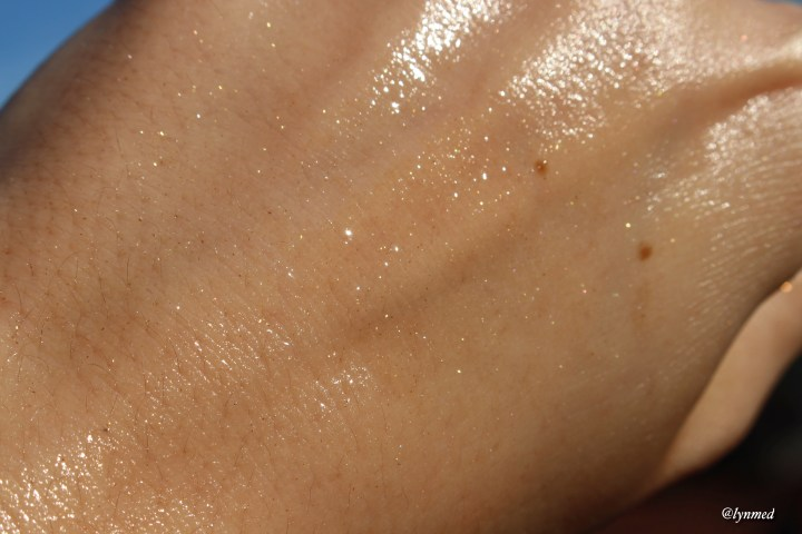Swatch shimmering oil