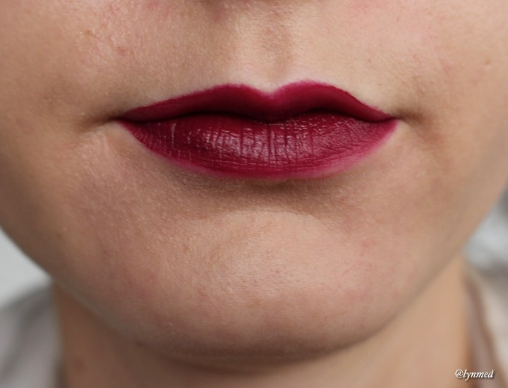 Guerlain Intense liquid matte Attractive plum swatch