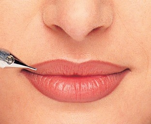 lips-permanent-makeup-by-mojee