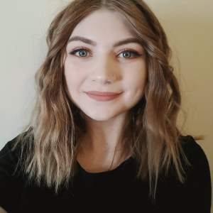 Alyssa Tracey Sustainable Beginnings Cosmetology Scholarship Recipient