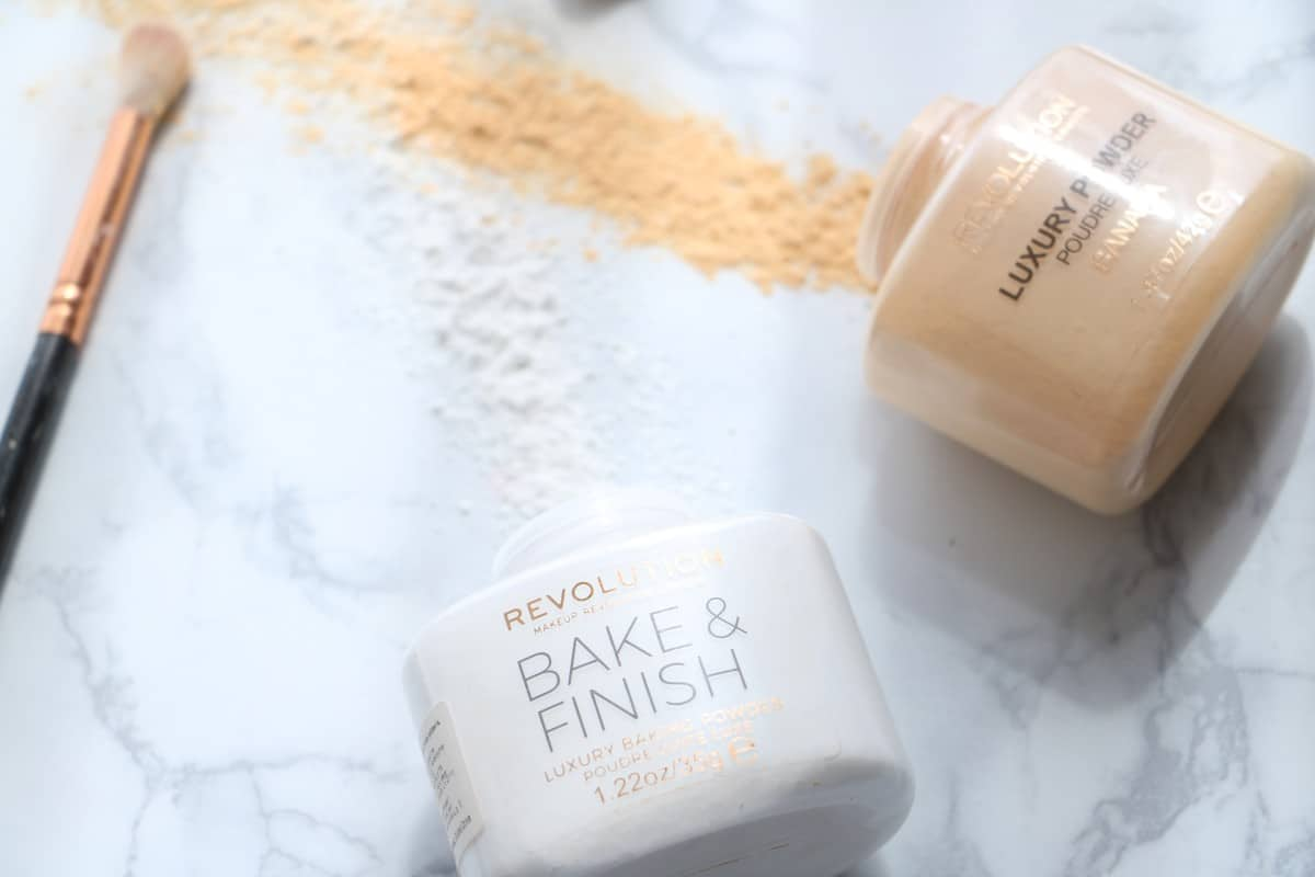 Makeup Revolution Ghost Finish vs Luxury Baking Powder
