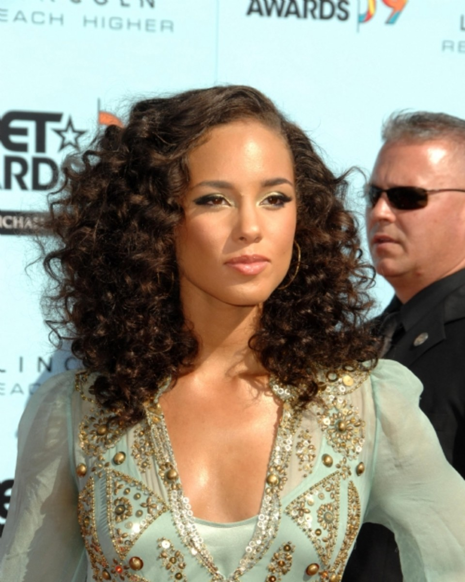 The Best Haircuts And Styles For Naturally Curly Hair