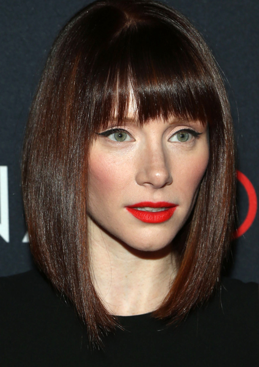 Bryce Dallas Howard Pairs Orangey Red Lips With Cat Eyes