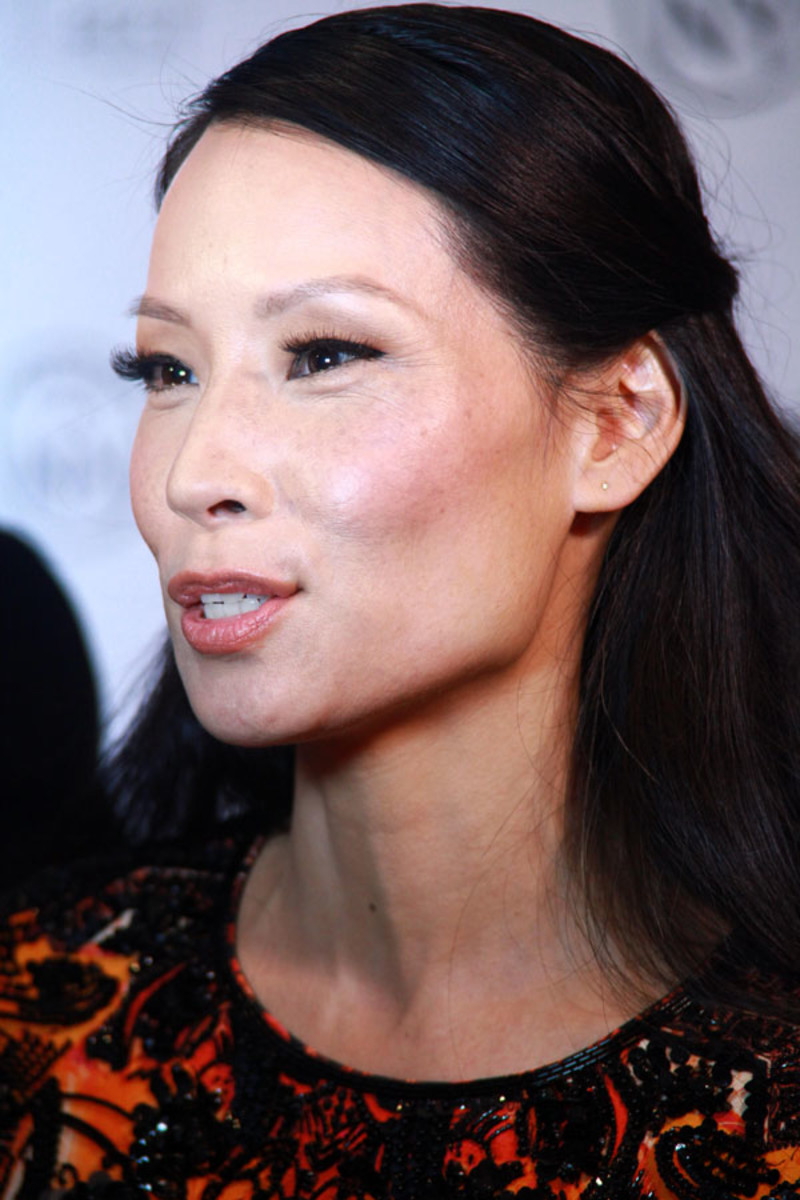 Lucy Liu Has A Pretty Half Up Hair Idea Beautyeditor