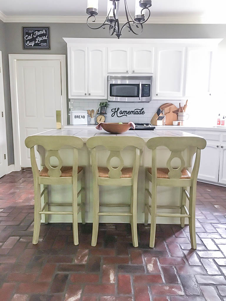 kitchen barstools before painting