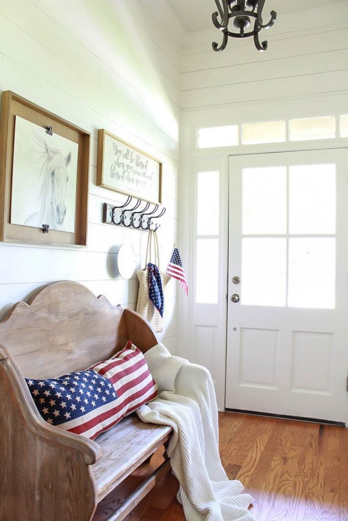 You won't believe how cheap and easy it is to decorate for 4th of July! I'm sharing some inspiration for vintage inspired Fourth of July Decor on a budget.