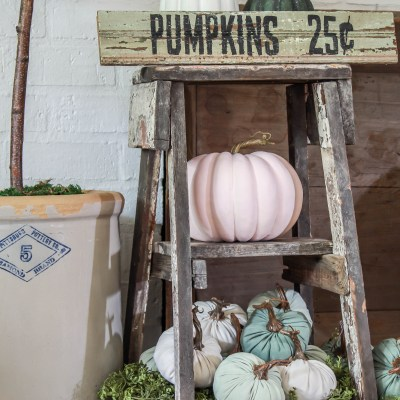 DIY Fall Decor: Pumpkin Sign