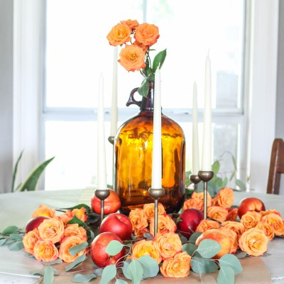 Fall Tablescape with Fresh Fruit & Florals