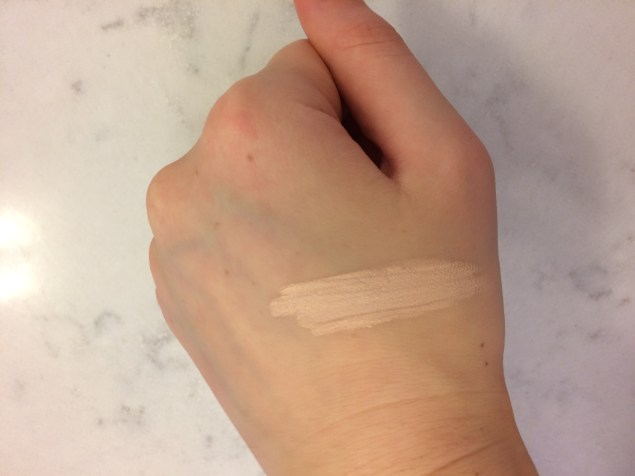 Swatch of concealer 'Ivory'