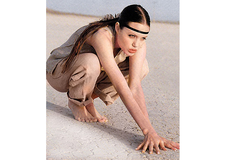 96ed6272c Angelina Jolie figur i en badedrakt. Endringer i figuren av Angelina ...