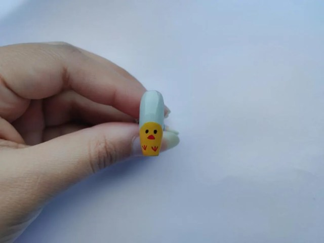 cute chicken nail design