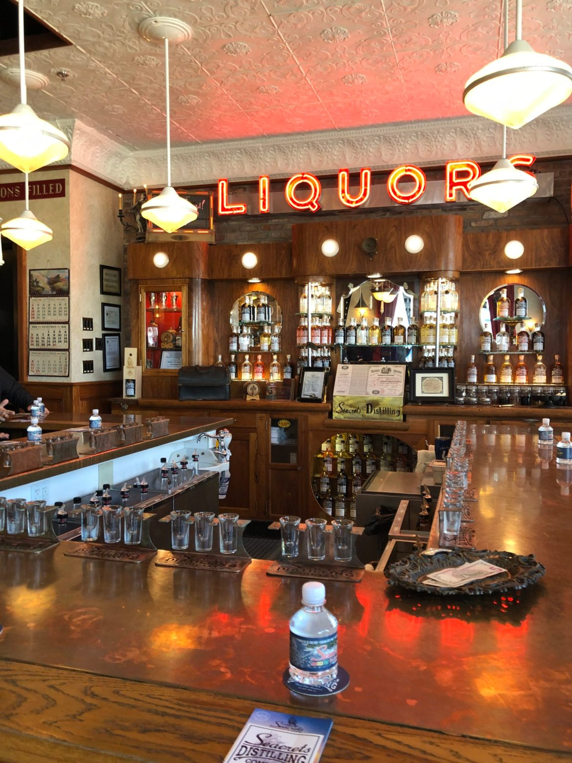 The bar with antiques