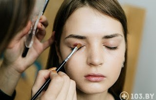 Eye makeup: How to match skin