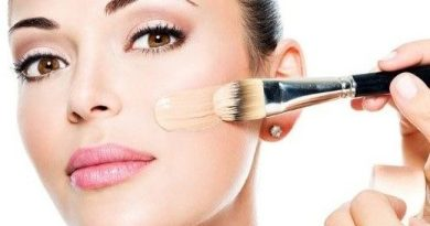 8 Tips on Makeup to Look Younger