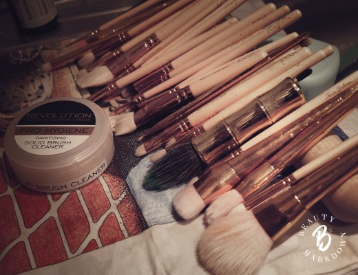 makeup brushes cleaning