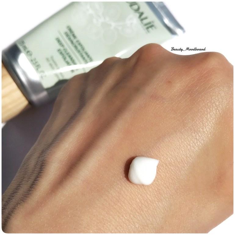 Swatch Crème gommante pour le visage douce et formule naturelle