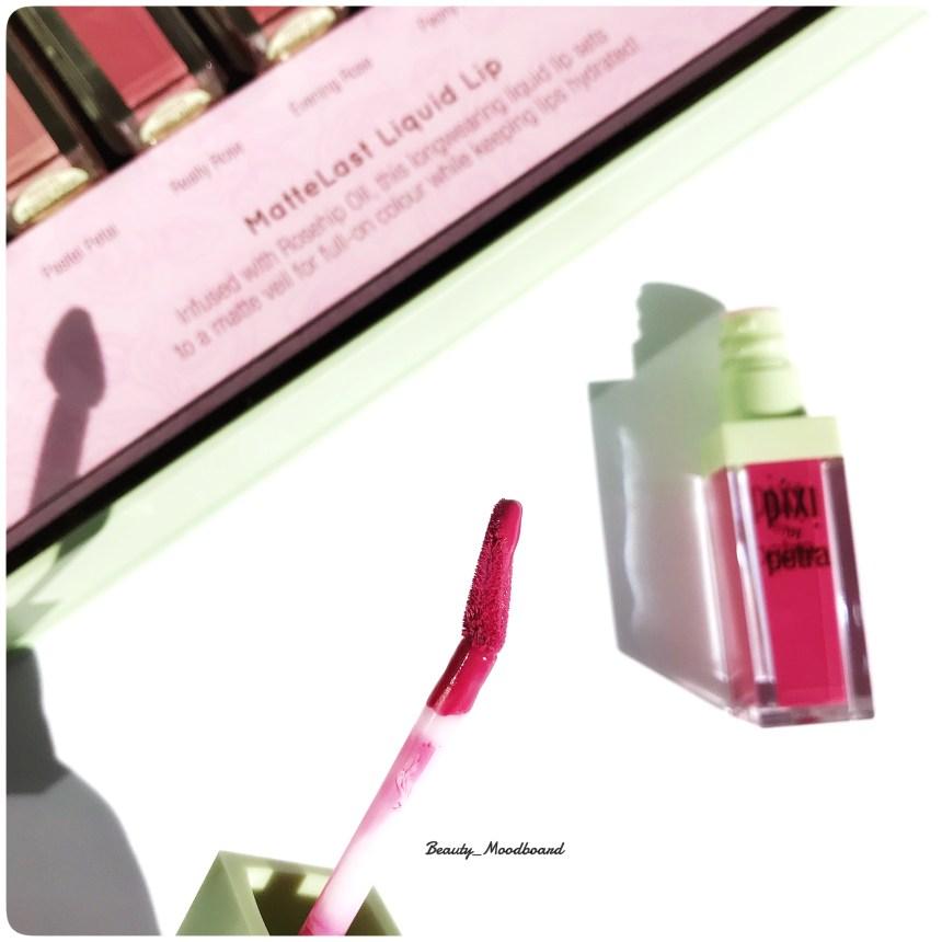 Profil du pinceau fleur application rouge à lèvres liquide