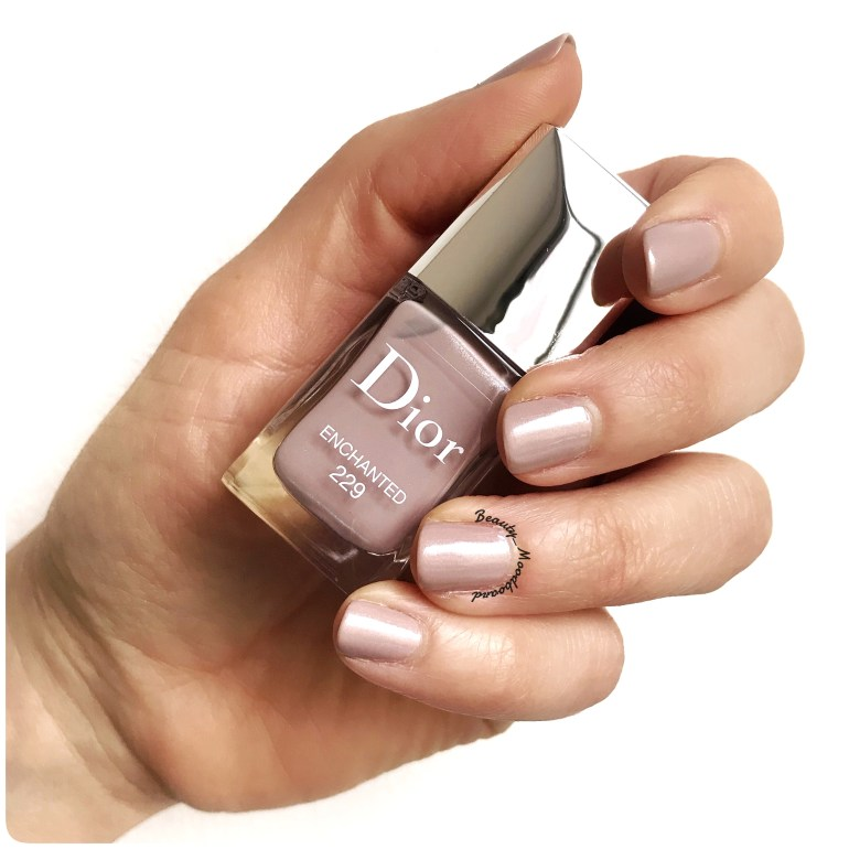 Swatch vernis Dior collection Noël 2018 Enchanted 229