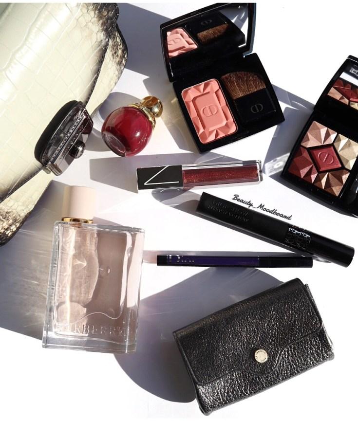 Sac Longchamp makeup Dior porte monnaie Le Tanneur et parfum Burberry Her
