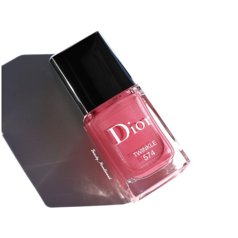 vernis de couleur rose givré effet satin