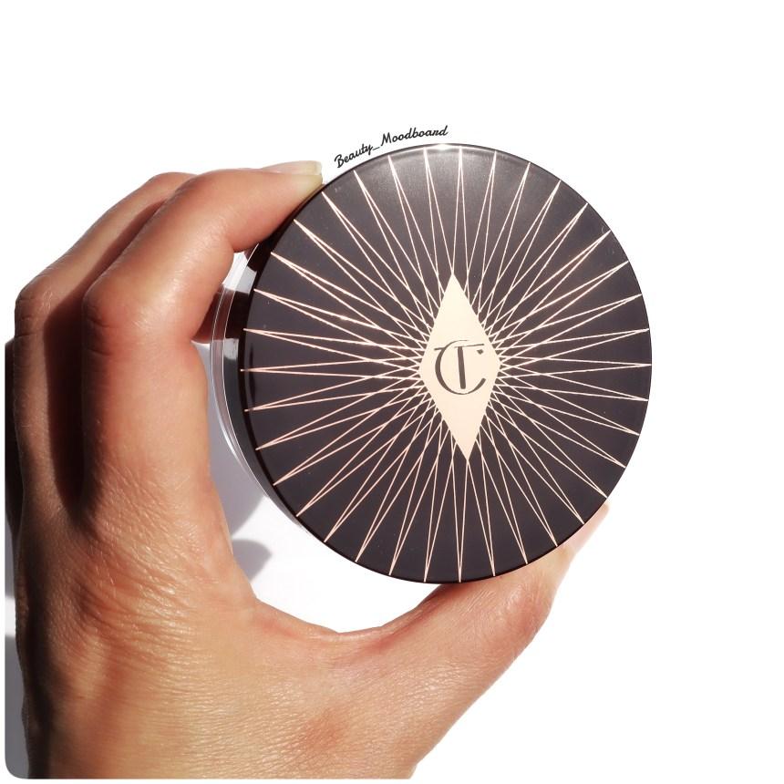 packaging art deco de la poudre libre Charlotte Tilbury Magic Powder