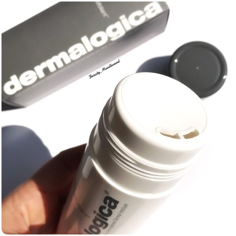 Packaging plastique poudre exfoliante marque clean beauty