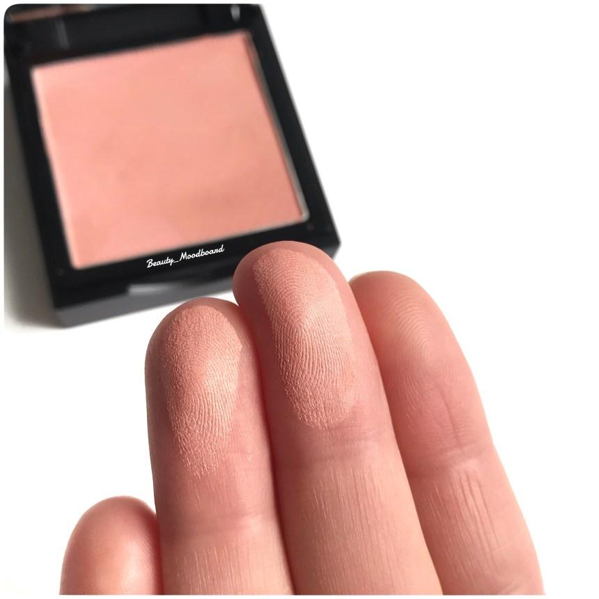 Swatch Eye Candy Brightening Blush Powder