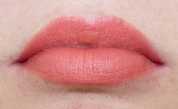 barry m matte me up lip crayon 1