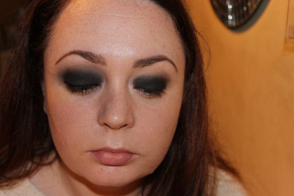 Smoky Eye Makeup Tutorial (18)