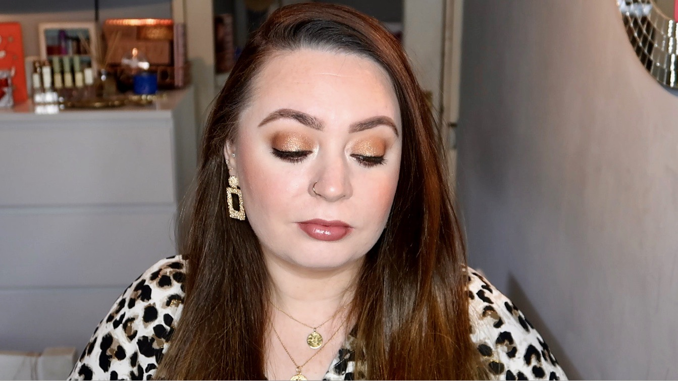 gold smokey eye makeup tutorial
