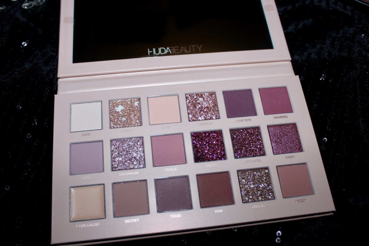 Huda Beauty The New Nude Eyshadow Palette