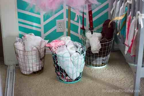 Elegant-Ombre-Herringbone-Nursery blanket baskets