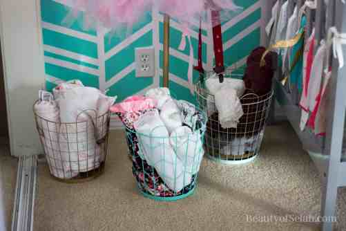 Elegant-Ombre-Herringbone-Nursery blanket baskets