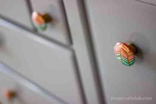 Elegant-Ombre-Herringbone-Nursery dresser knobs